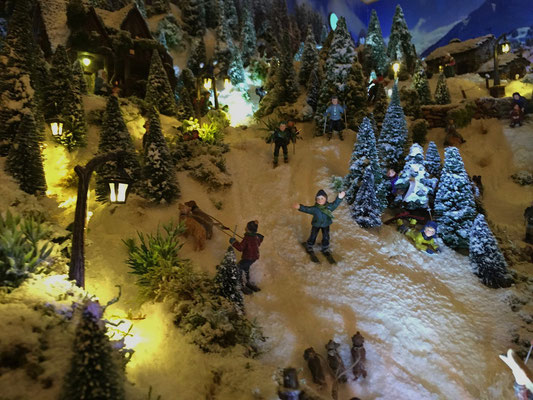 Village de Noël/Christmas Village 2014 de nuit: Au revoir les amis