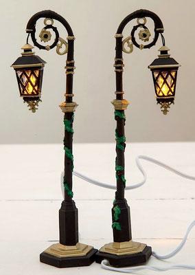 Ornate street lamps - #56-53507 - Vue 2