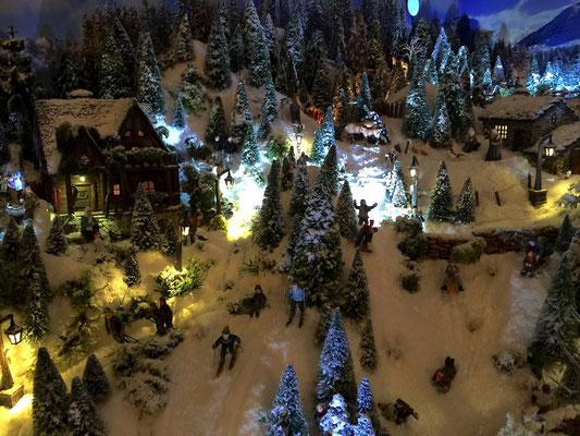 Village de Noël/Christmas Village 2014 de nuit: Fin d'une journée bien remplie