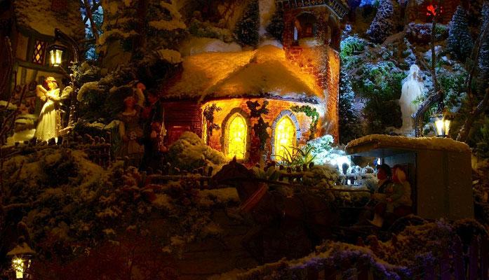 Village de Noël/Christmas Village 2014 de nuit: 1° vision du village
