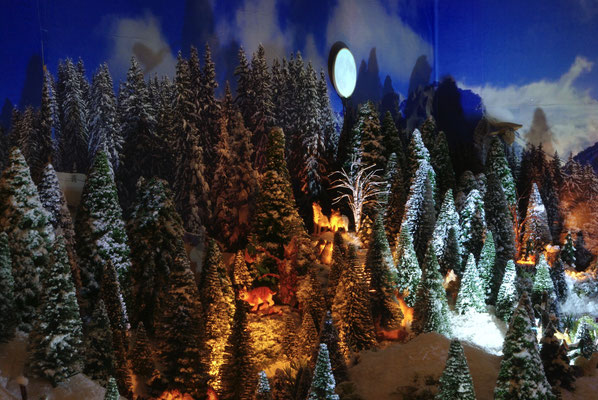 Village de Noël/Christmas Village 2014 de nuit: Clair de lune sur la forêt