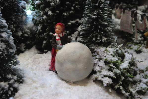 Village de Noël/Christmas Village 2014: Quelle grosse boule !