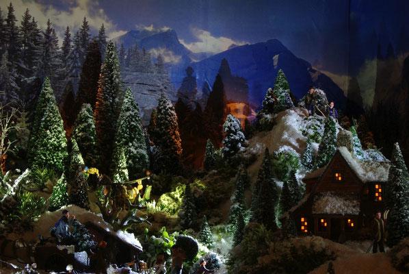 Village de Noël/Christmas Village 2014 de nuit: Montagnes dans la nuit