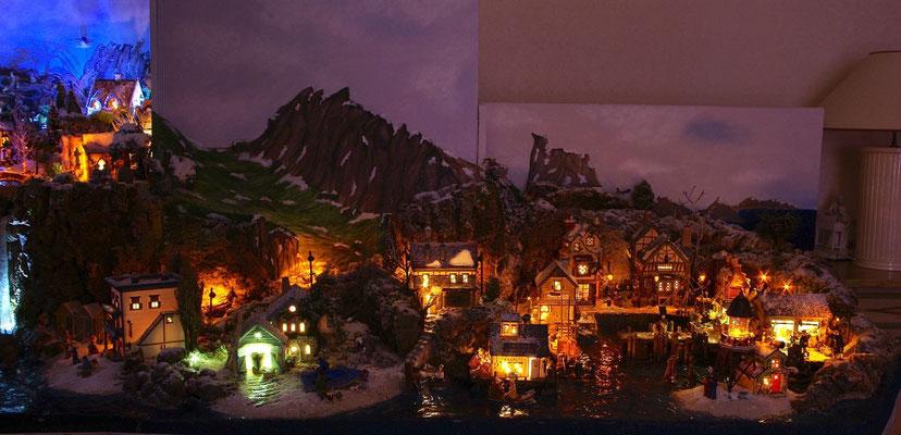 Village Noël/Christmas Village 2013, la nuit: Les quais de nuit