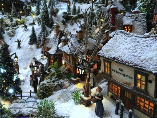 Village de Noël/Christmas Village 2014: Vue sur les pistes