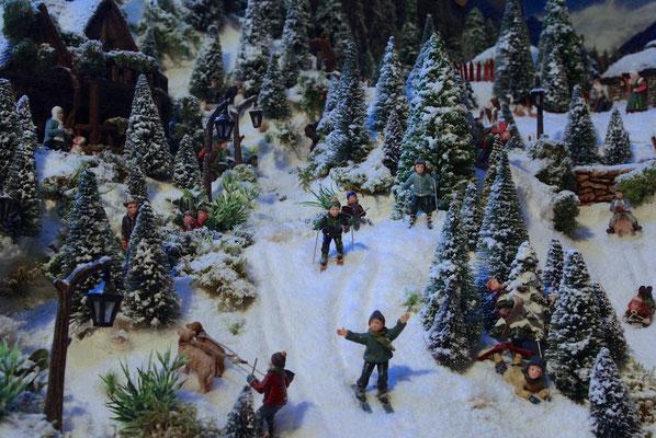 Village de Noël/Christmas Village 2014: Arrivée des skieurs