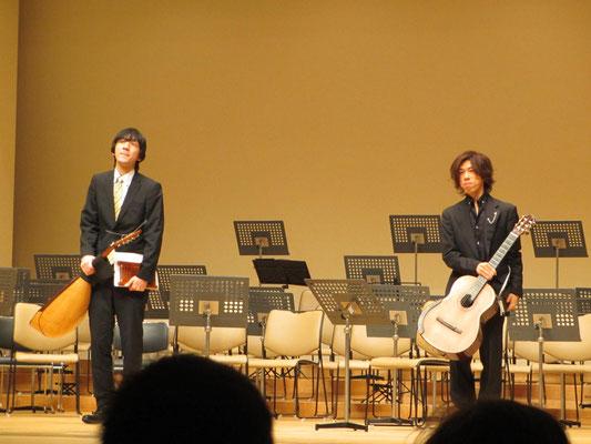 クラシックギター&マンドロンチェロによるデュオ