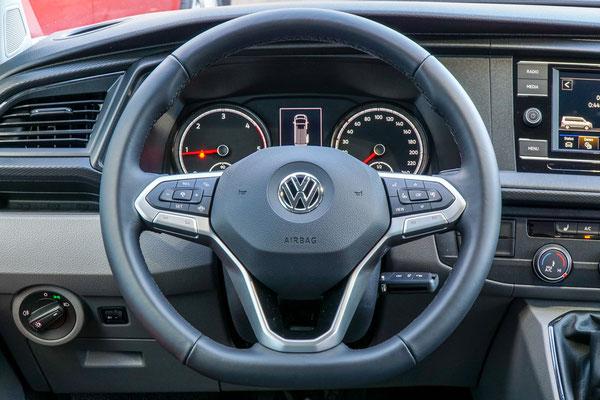 Multifunktions Lederlenkrad im neuen VW T6.1 (optional)