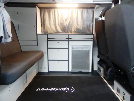 """Küchenzeile im """"Limited"""" Campingbus"""