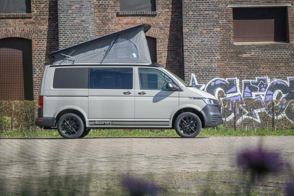 Summermobil T6.1 Black Edition serienmäßig mit Aufstelldach
