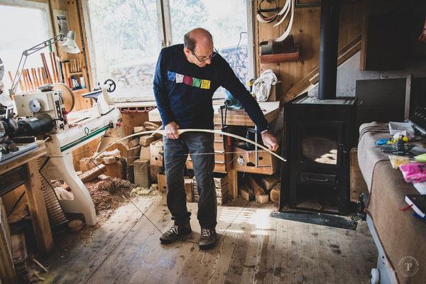 Holzbogen spannen mit Spannschnur