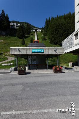 Gare inférieure de l'ascenseur n°1 à Flaine Forum