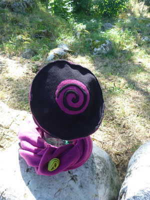"""Tour de cou et chapeau """"Tourne Tourne ..."""""""