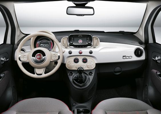 Stylischer Innenraum beim Fiat 500