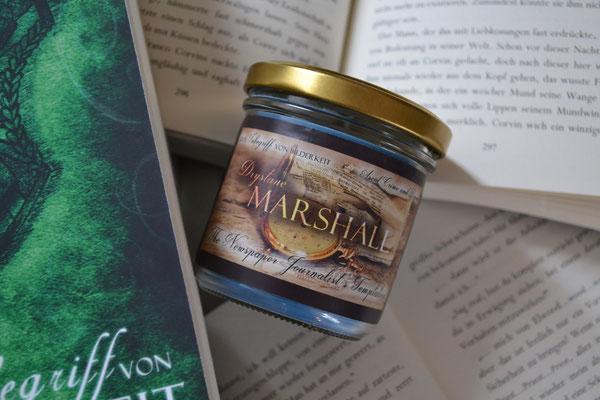 Drystane fiel es schwer, sich zwischen Erdbeertore und Tee zu entscheiden. Letztlich überwog aber die Liebe zu dem Tee in seinen Döschen :)