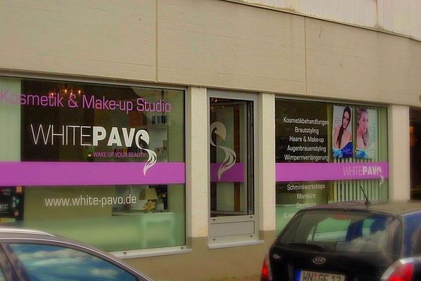 Exklusiver Laden: Kosmetiksalon; Schaufensterbeschriftung Konzeption