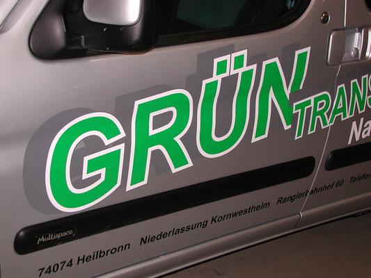 Fahrzeugbeschriftung in Backnang und Winnenden für Fa. Grün, Seiten