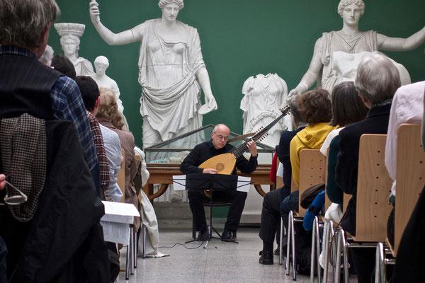 SAITENWECHSEL 2. Konzert - Bach Lautensuiten
