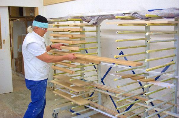 Holzfensterbänke in der Trocknung