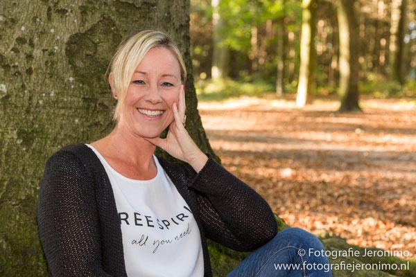 Fotografie, Jeronimo, Roosendaal, Brabant, portretfotografie, portretfotograaf, fotoshoot, fotostudio, portret, kleur, 25