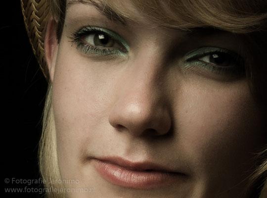Fotografie, Jeronimo, Roosendaal, Brabant, portretfotografie, portretfotograaf, fotoshoot, fotostudio, portret, kleur, 29