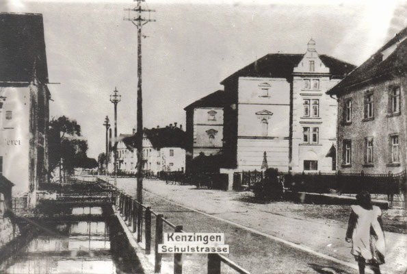 Schulstraße zwischen 1903 und 1910.