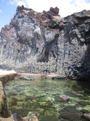 Natur-Wasserbecken