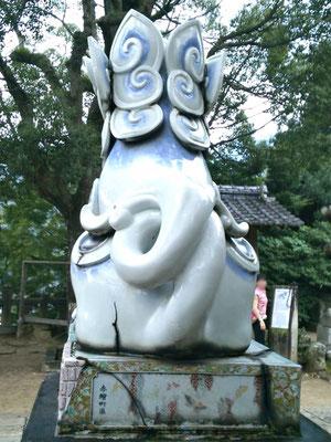 陶山神社の狛犬04番【阿形】お尻の写真