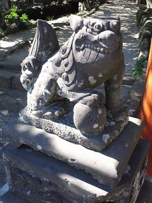 鵜戸稲荷神社の狛犬吽形の写真
