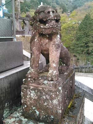陶山神社の狛犬06番【阿形】の写真