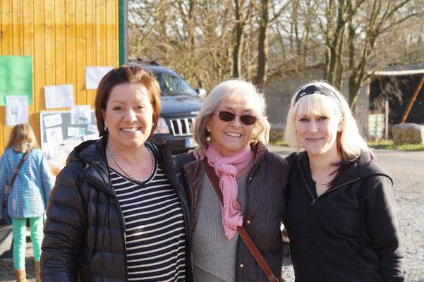 19.12.15 / TOMBOLA AUF DEM SCHÜLKE HOF - Mit meiner Patentante und eren Tochter Petra