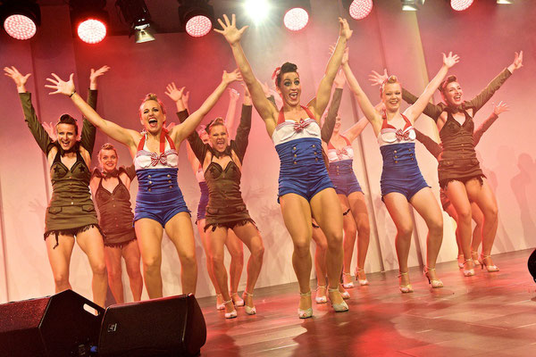 Pin up Tanzshow Matchless