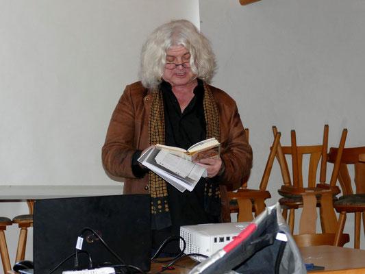 Mythenforscher Jakob Wünsch mit einem unterhaltsamen Beitrag. Foto: Norbert Ephan