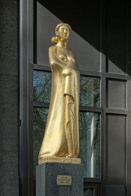 Fortuna von Gerhard Marcks vor Deutsche Bundesbank Filiale Dortmund