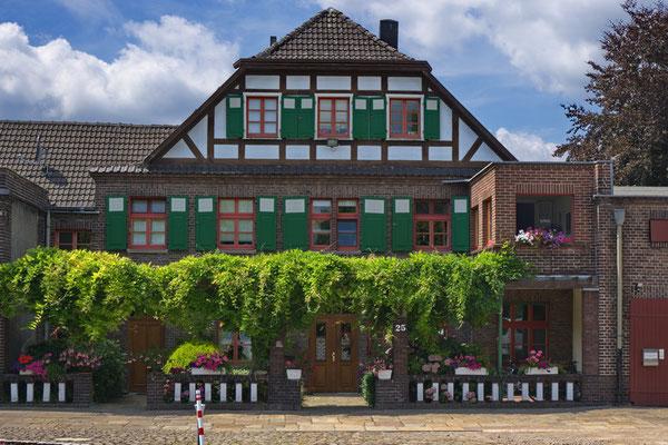Ewald-Görshop-Straße | landwirtschaftliches Gebäude
