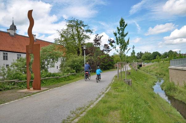 Wasserschloss Haus Rodenberg, Do-Aplerbeck mit renaturierter Emscher