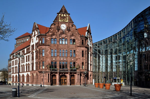 Altes Stadthaus (1899) mit Berswordthalle