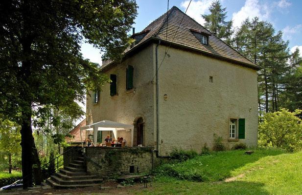 ^Haus Husen, Do - Syburg