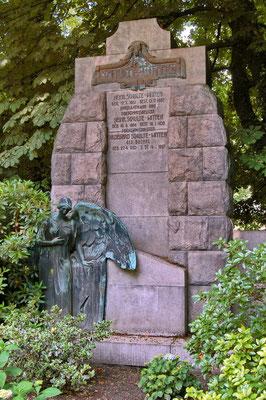 Familiengrab Schulte-Witten auf dem Kommunalfriedhof Dorstfeld