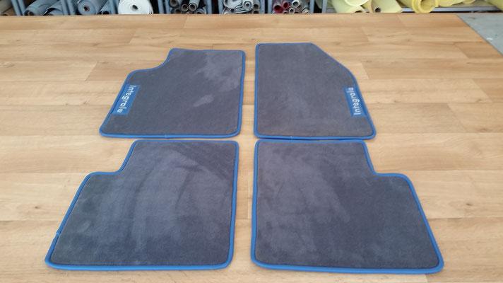 création de tapis voiture