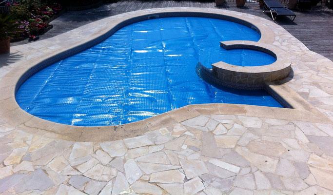 bâche de piscine sur mesure