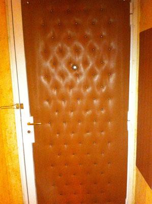 capitonnage de porte en cuir