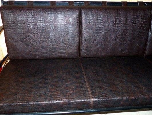 canapé en simili cuir crocodile