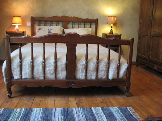 2 hébergemnents confortables à Egliseneuve d\'Entraigues - Site de Le ...