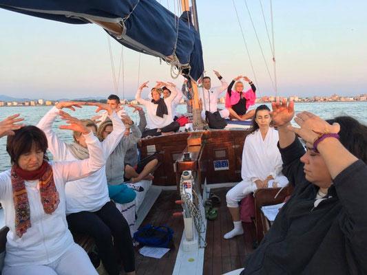 Yoga in barca con Morena Tambalo