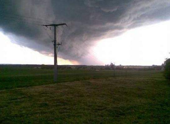 Tornado zieht zum Hüttertal