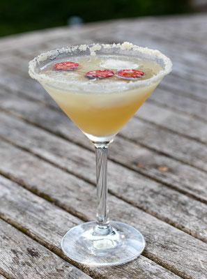Dorothea Gosling: Und - nicht zu verachten - der Cocktail mit den selbstgezogenen Jalapeños, der einen zumindest in Gedanken, in den Urlaub versetzt