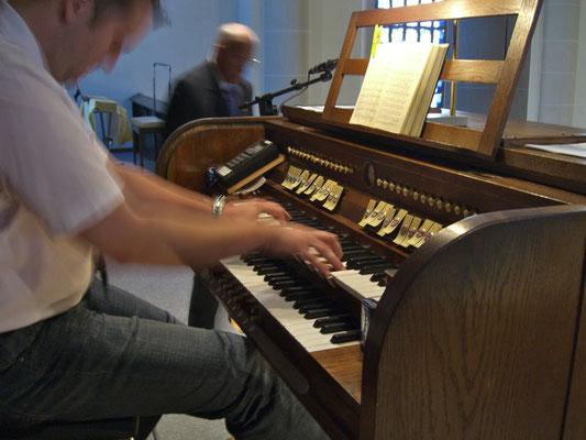 Himmelfahrt 2011 - Kantor Stefan Thomas an der Orgel