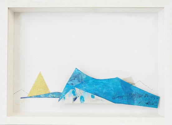 《ずっとむこうの》✔ (半立体作品)紙にアクリル絵の具、ペン、色鉛筆、インク /2016