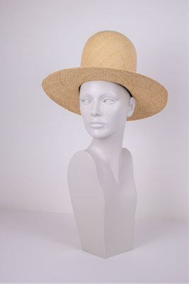 STRAW HAT -€135-